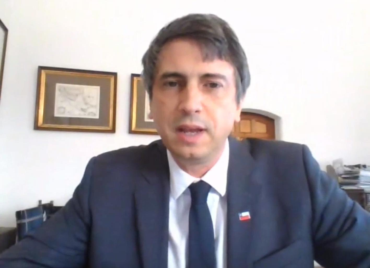 Photographie d'Andrés Couve Correa, Ministre des Sciences, de la Technologie, du Savoir et de l'Innovation, Chili